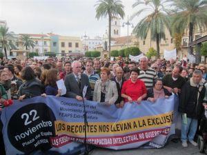 Manifestación de la FEAPS en la Plaza España , Mérida