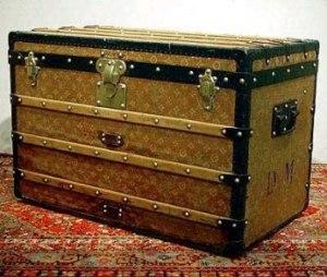 Antiguo baúl de Louis Vuitton