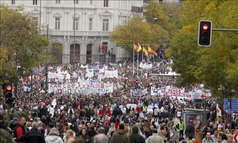Marcha blanca por las calles de Madrid
