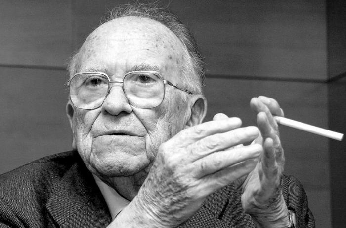 Muere Santiago Carrillo a los 97 años de edad en Madrid
