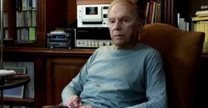 Georges, interpretado por Jean Louis Trintignant