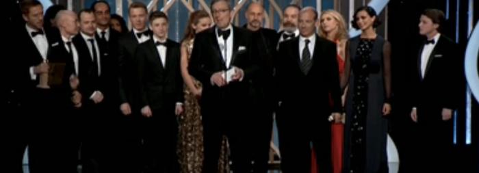 Equipo de Homeland recogiendo el Globo de Oro a mejor serie dramática