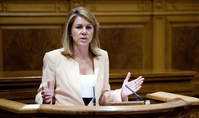 La presidenta de Castilla-La Mancha, María Dolores de Cospedal, durante un pleno/ Fotografía: EFE