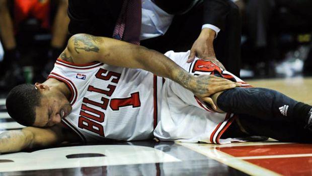 Imagen de la lesión de Derrick Rose.