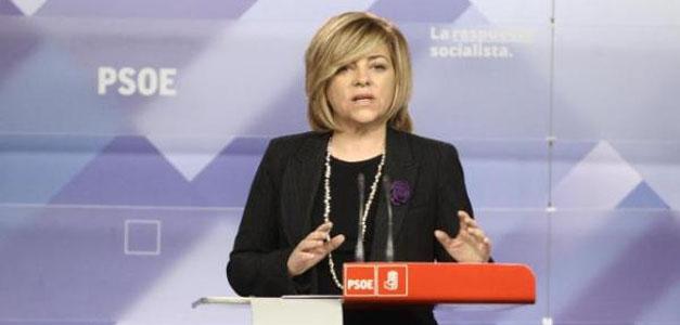 Elena Valenciano durante una rueda de prensa en la sede socialista.