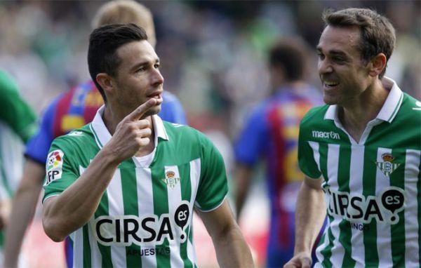 Ruben Castro celebrando un gol al Levante.  FOTO: marca.com