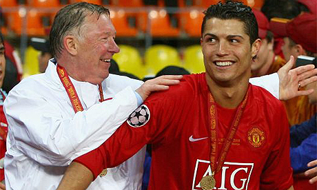 Alex Ferguson con Cristiano Ronaldo tras ganar la Champions League | FOTO: The Guardian