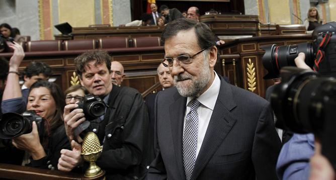 Expectación ante la llegada de Rajoy al debate sobre el estado de la Nación/ Fuente: EFE