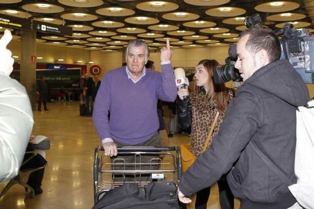 Luis Bárcenas en el aeropuerto / Fuente: El Periódico