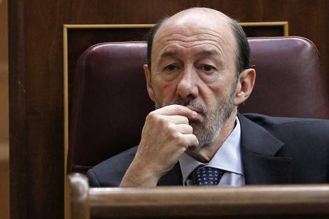 Alfredo Pérez Rubalcaba durante una sesión de control / Fuente: El Mundo
