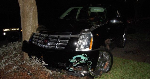 Así quedó el coche de Tiger Woods después de sufrir el accidente.