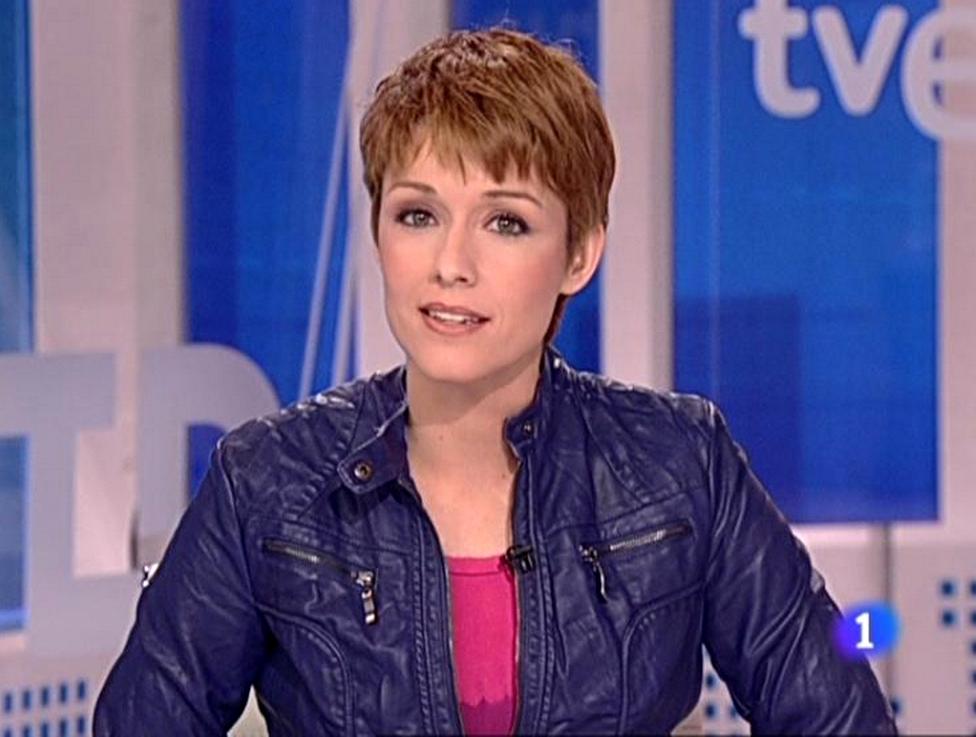 Presentadora telediario pelo corto