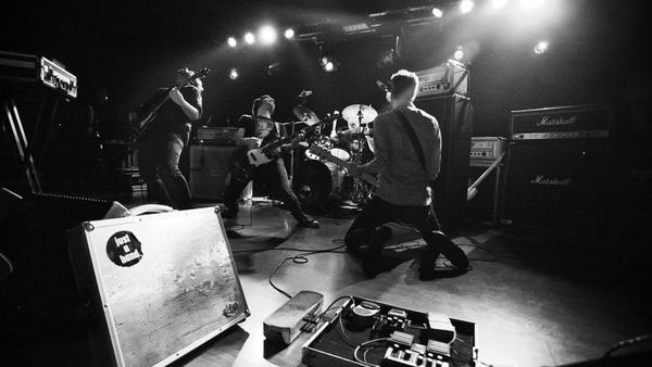 El grupo durante uno de sus conciertos