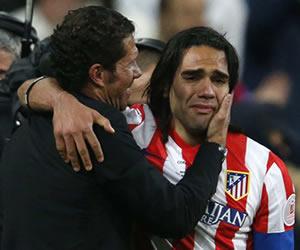 Radamel emocionado abranzando a Simeone | FOTO: colombia.com