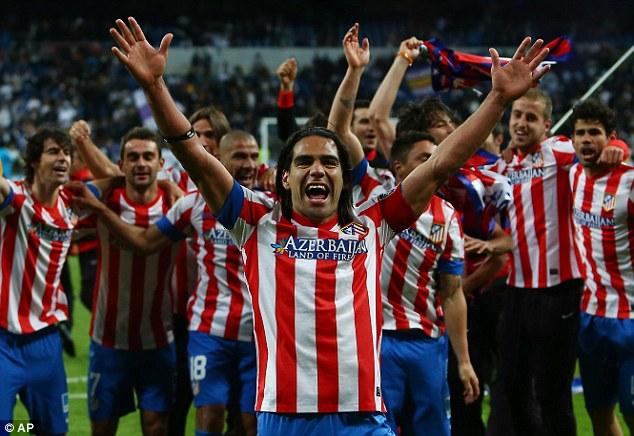 Falcao celebrando la Copa del Rey en el Santiago Bernabéu | FOTO: dailymail.co.uk