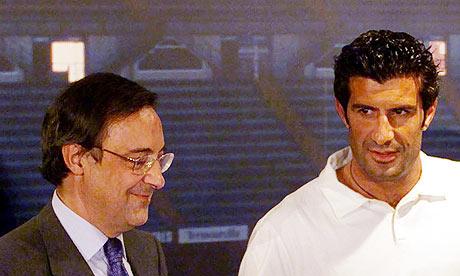 Florentino Pérez presentando a Luis Figo | FOTO: guardian.co.uk