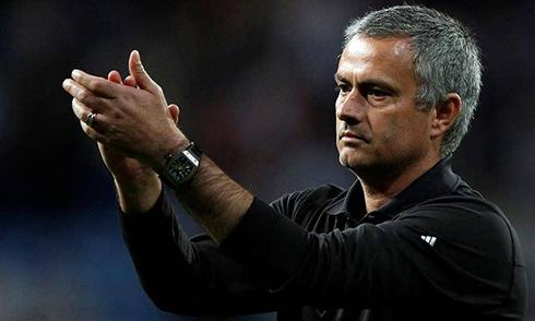 Mourinho se va del club por la puerta de atrás.