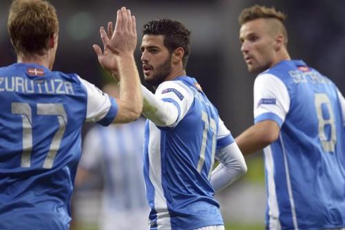 Zurutuza, Vela y Sefereovic celebrando un gol/ FOTO: Agencia EFE
