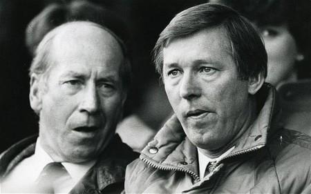 Sir Matt Busby junto a Sir Alex Ferguson. Leyendas del Manchester United / The Telegraph