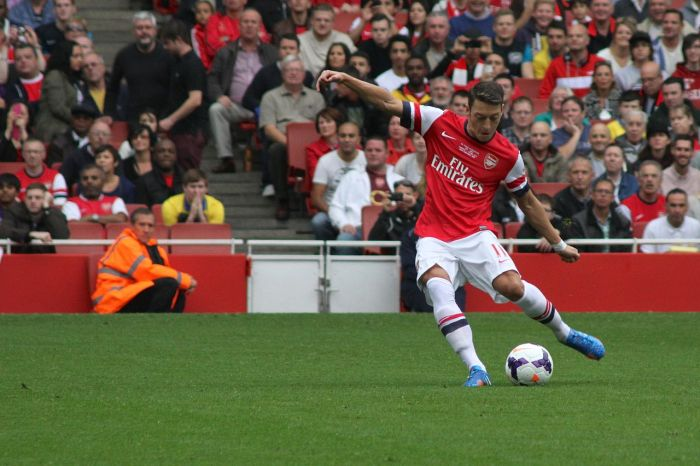 Mesut Özil con el Arsenal | FOTO: Wikipedia