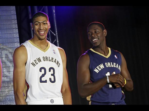 Los New Orleans Pelicans estrenan uniforme con Davis y Holiday como líderes | Foto: nba.com
