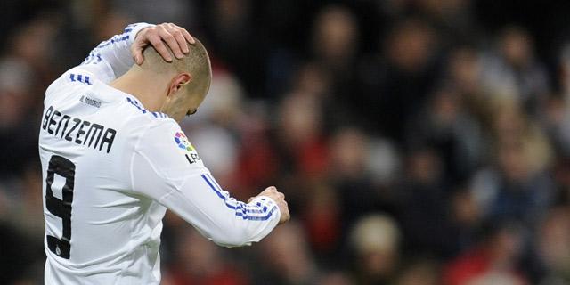 Benzema lamentándose después de una jugada/ FOTO: elmundo.es
